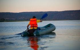 kayaks_1.jpg